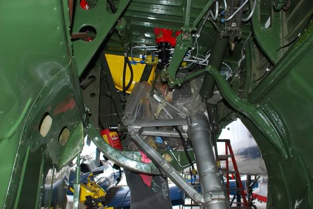Installing the new nose gear - Sep.2012 - Dan Newcomb photo