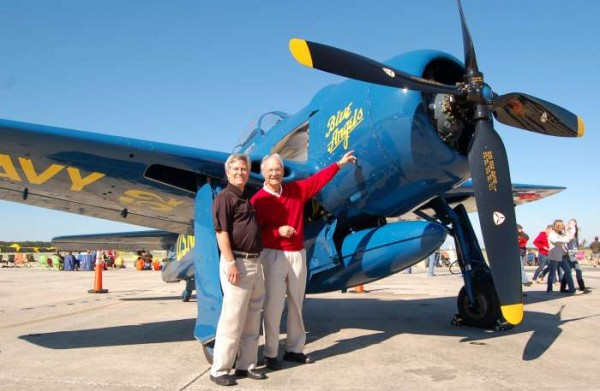 Al Taddeo with  F8F Grumman Bearcat fighter in Blue Angels colors. ( Image credit Jax Air News)