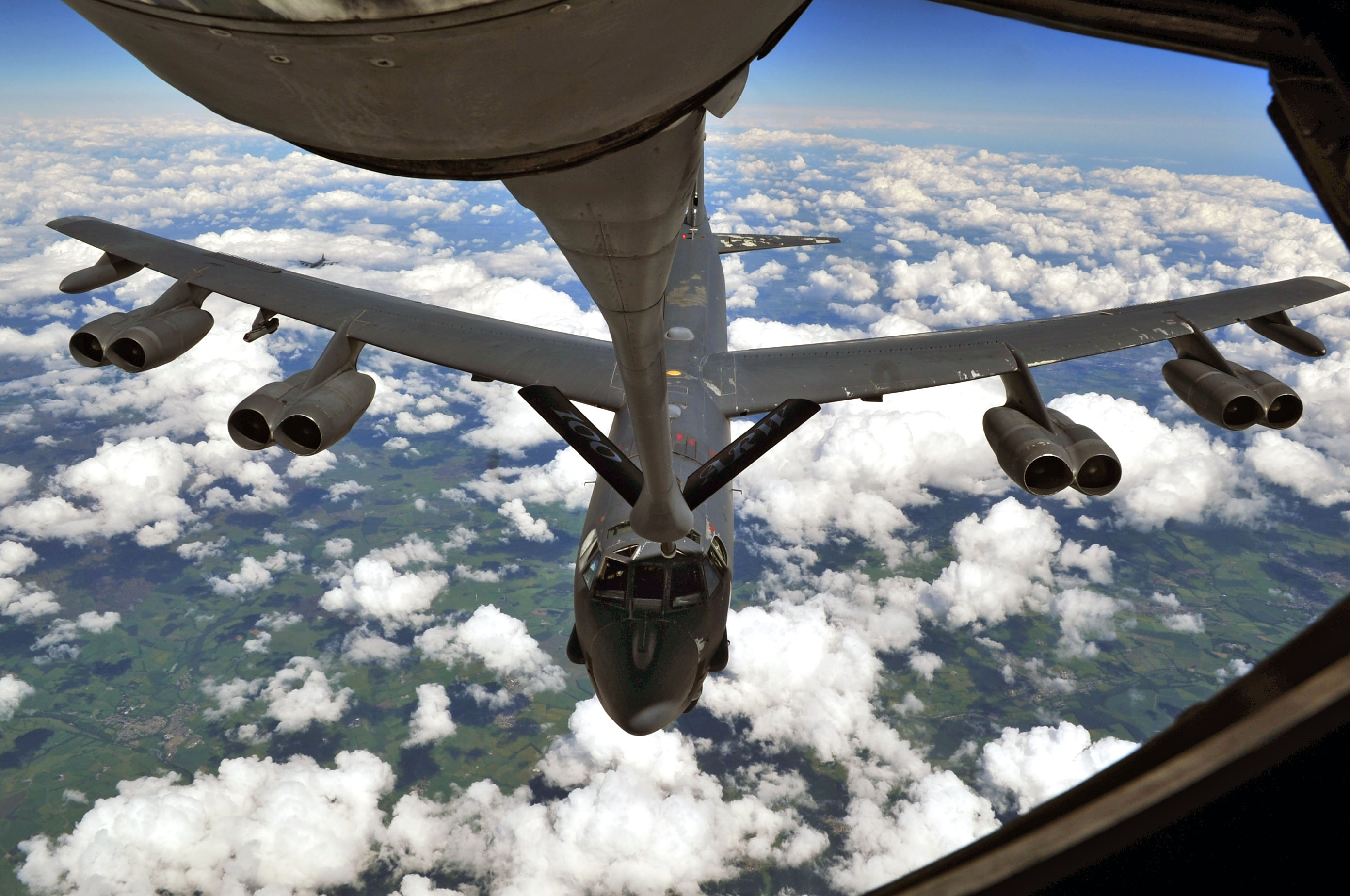 A B-52 flying out of nearby RAF Fairford refueling from a 100th ARW KC-135. (USAF photo)