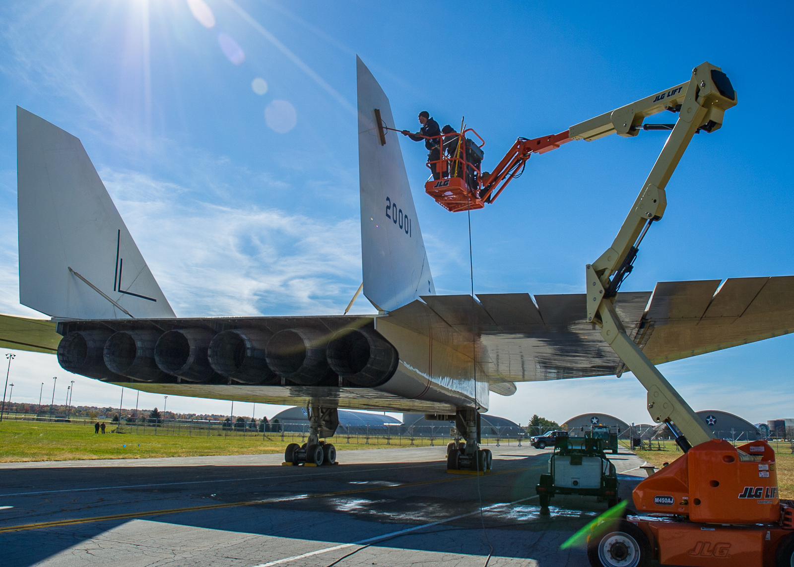 Cleaning the Valkyrie. (NMUSAF photo by Ken LaRock)