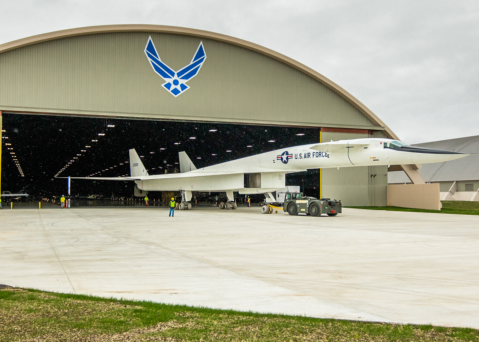 The XB-70 slowly moving under cover once more. (NMUSAF photo by Don Popp)