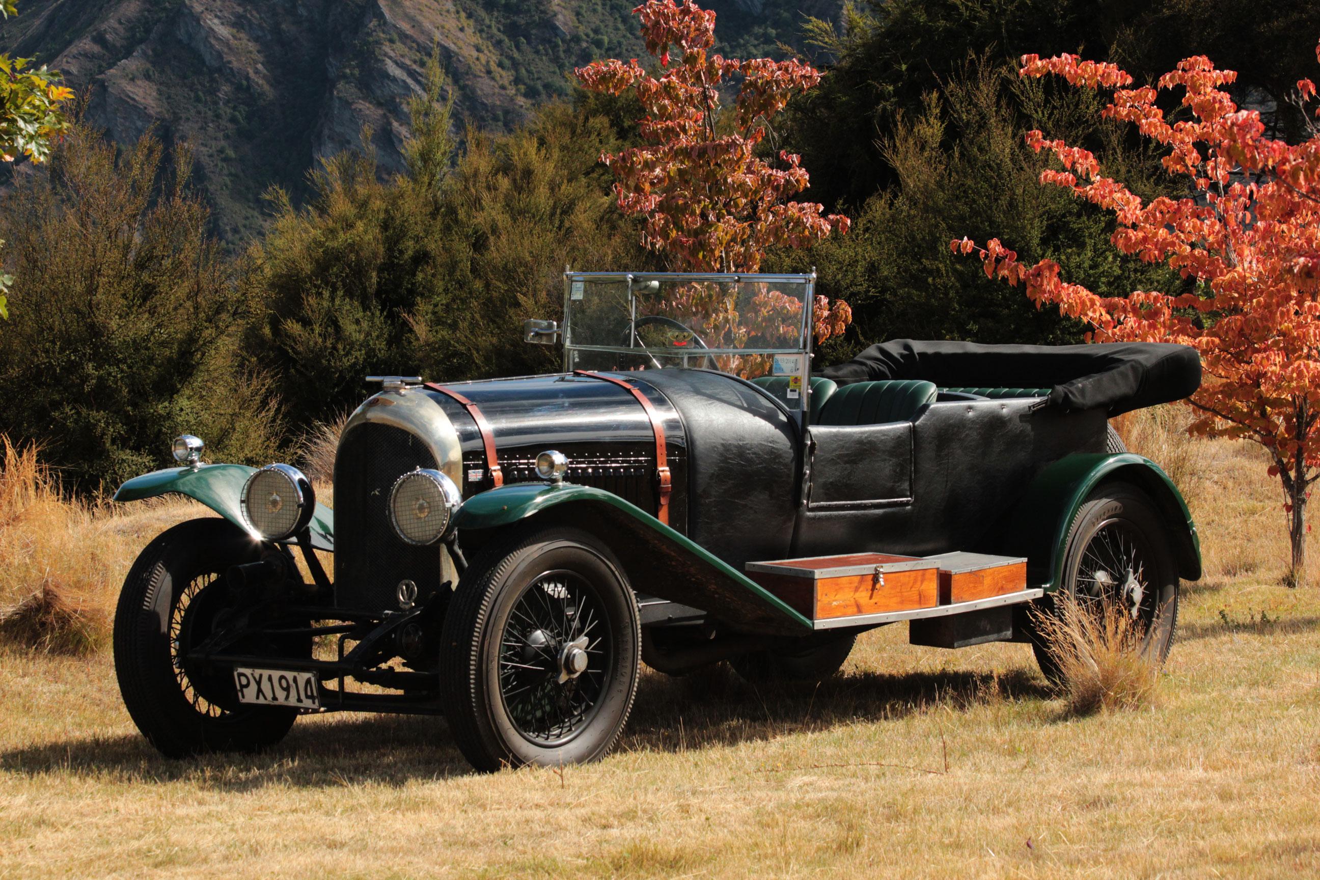 1924 3-litre Bentley (est $350,000 – $450,000).