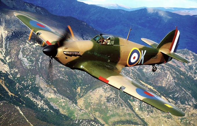 Hawker Hurricane Mk. IIA, in flight  (image credit: http://spitfiresite.com)