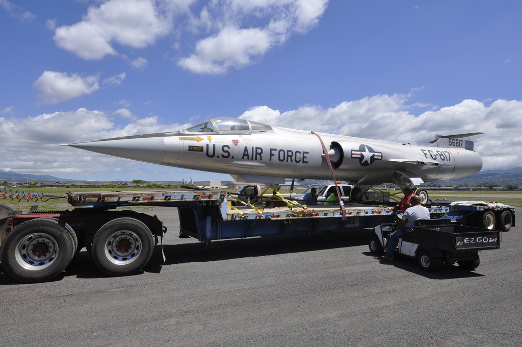 Lockheed F-104A Arrives. (Image Credit: Pacific Aviation Museum)