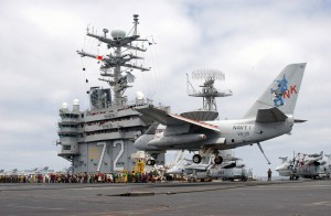 "S-3B Viking ""Navy One"" landing on the USS Abraham Lincoln (CVN 72) on May 1, 2003"