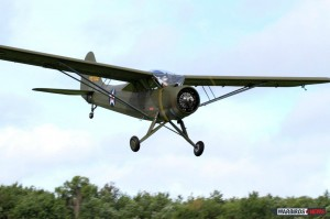 The L-1 during a low pass at Fantasy of Flight today (Image Credit: Paul Stecewycz)
