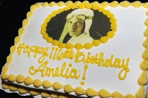 Cake served to guests in celebration of what would have been Amelia's 116th Birthday. (Image Credit: Pacific Aviation Museum)