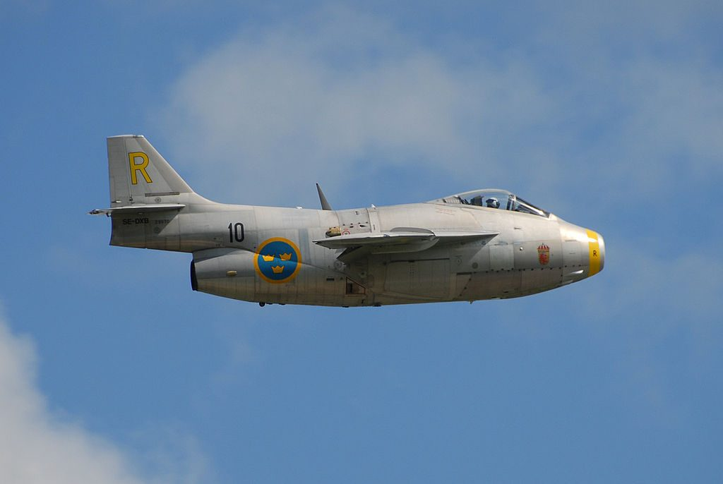 SwAFHF's Saab 29 Tunnan in flight at a Swedish Armed Forces' Airshow. (Image Credit: Gnolam CC 3.0)