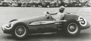 Tony a the wheel of his Ferrari 500/625 during a race at Wigram in New Zealand in 1956. (Image Credit: TonyGaze.com)