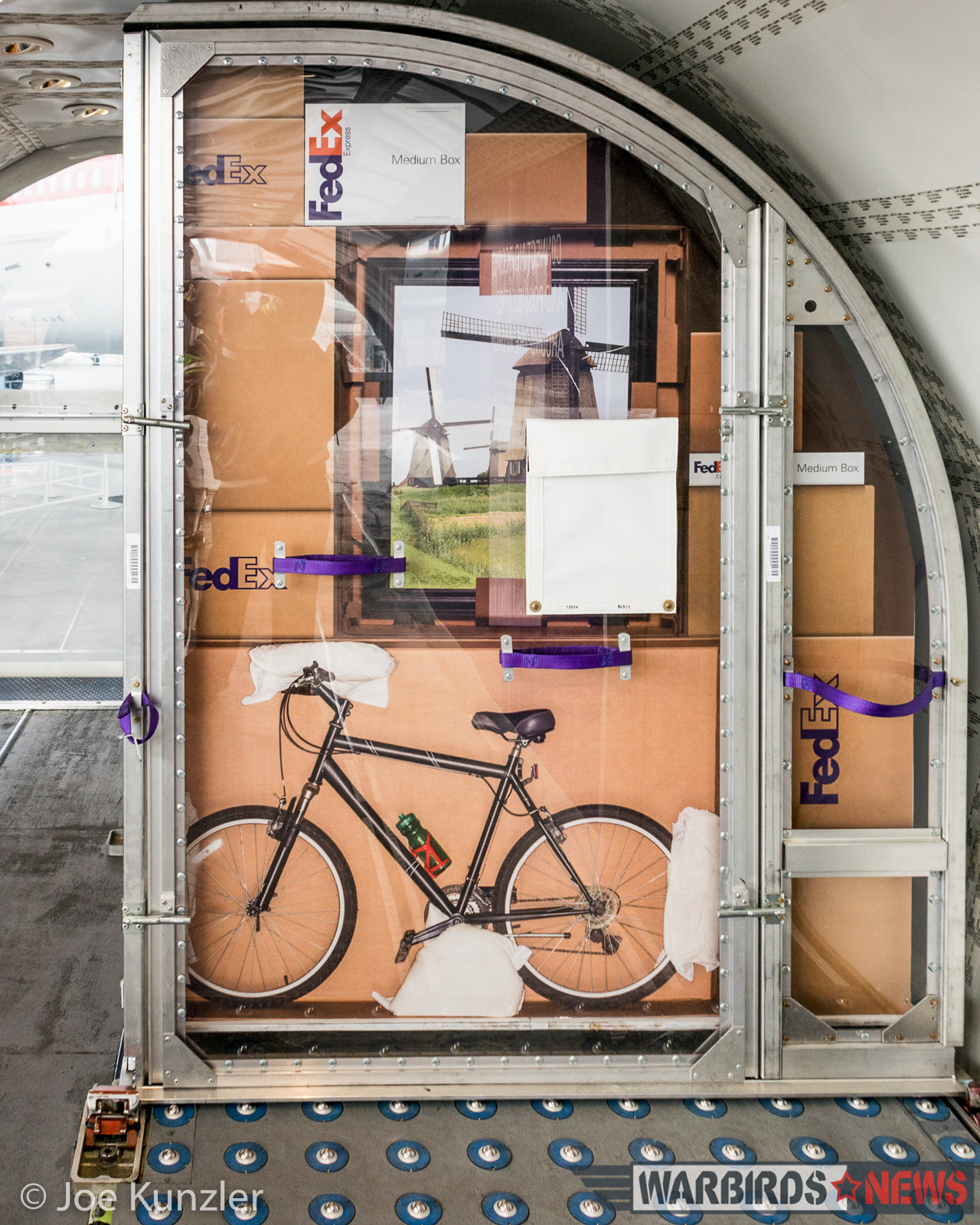 A slice of FedEx cargo showing how the aircraft would hold the shipping pallets. (photo by Joe Kunzler)