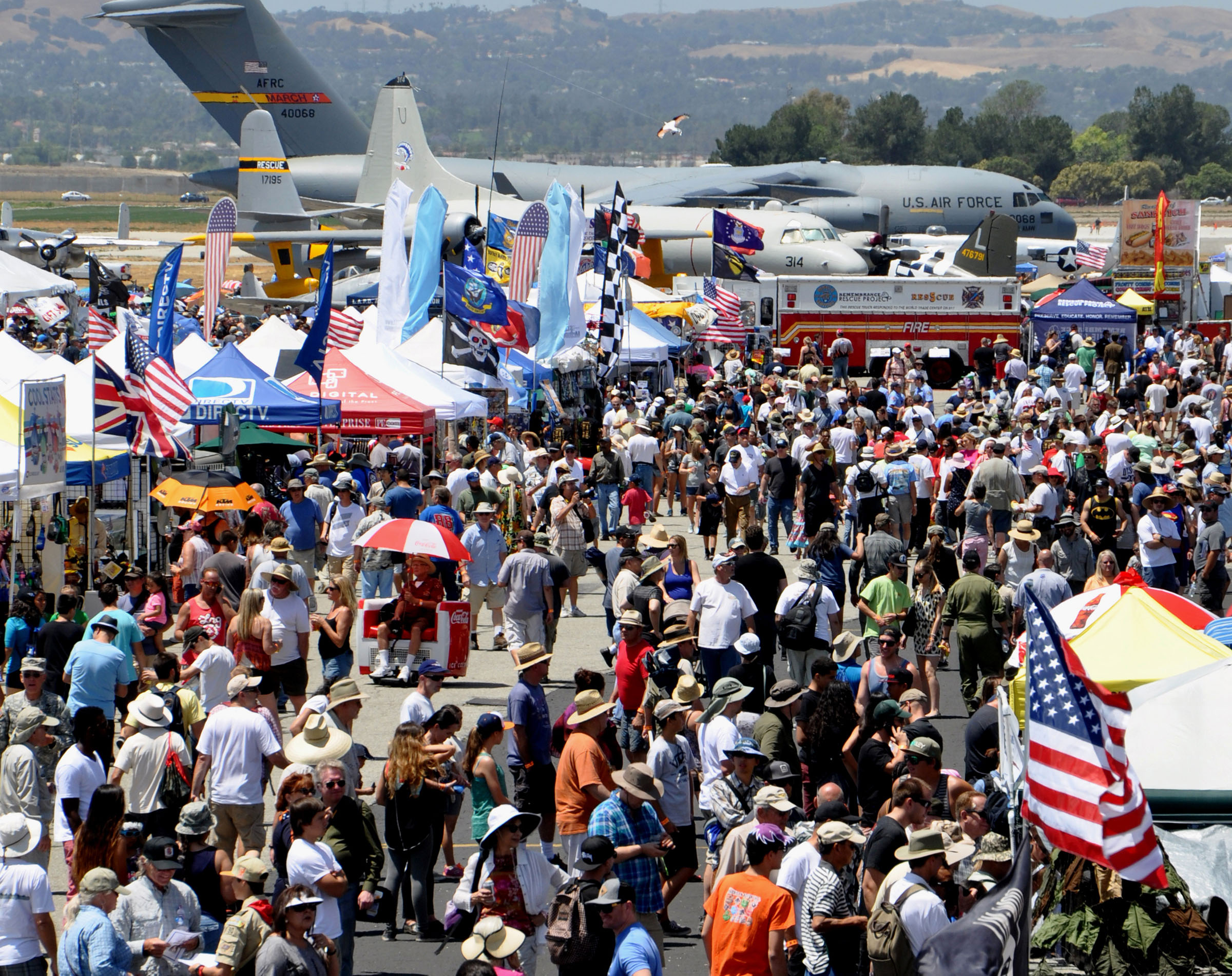 The teeming crowd at a previous Planes of Fame Air Show. (photo via Planes of Fame Air Museum)