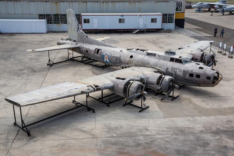 B-17 Swamp Ghost