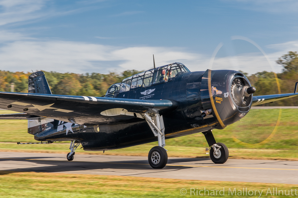 The locally based CAF National Capitol Squadron's TBM-3E Avenger taxies out for takeoff. (photo by Richard Mallory Allnutt)