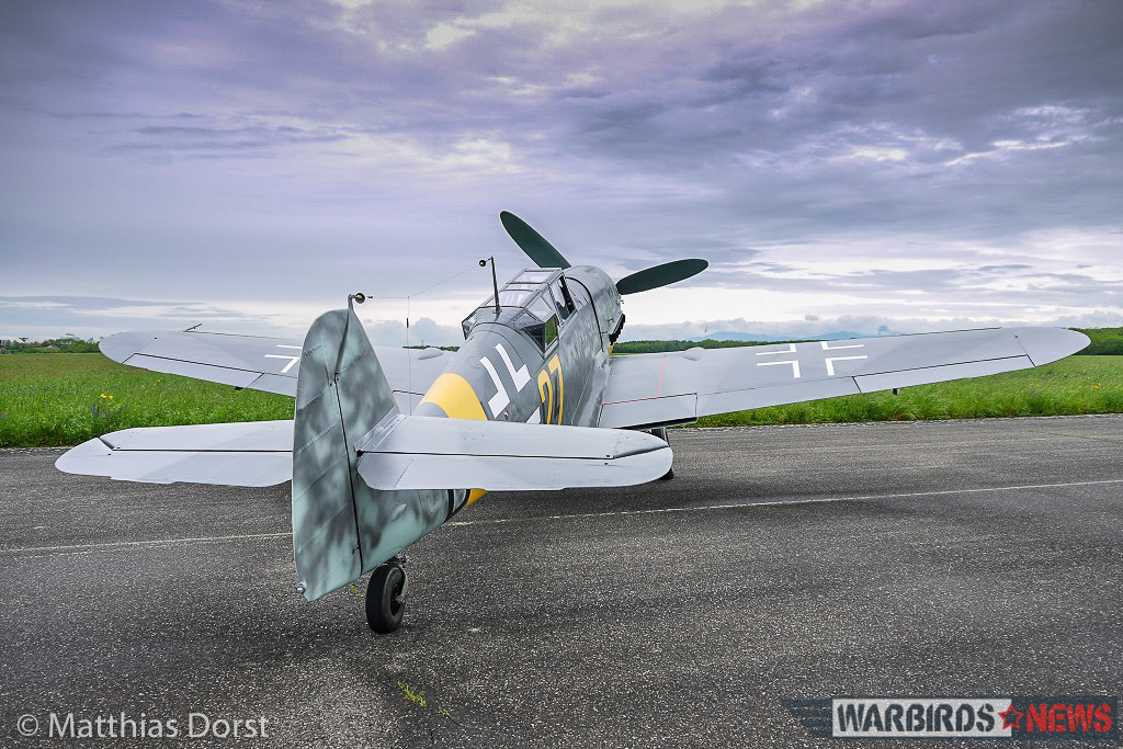 Waiting to fly... the 'Bf 109 G-12' sits patiently on the ramp. (photo by Matthias Dorst via Klassiker der Luftfahrt)
