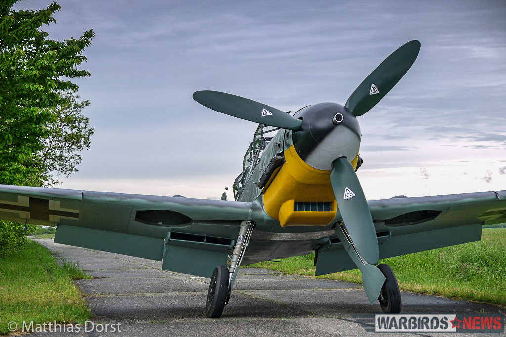 Head on, it's hard to tell the difference between the twin and single seater Bf-109 variants. (photo by Matthias Dorst via Klassiker der Luftfahrt)