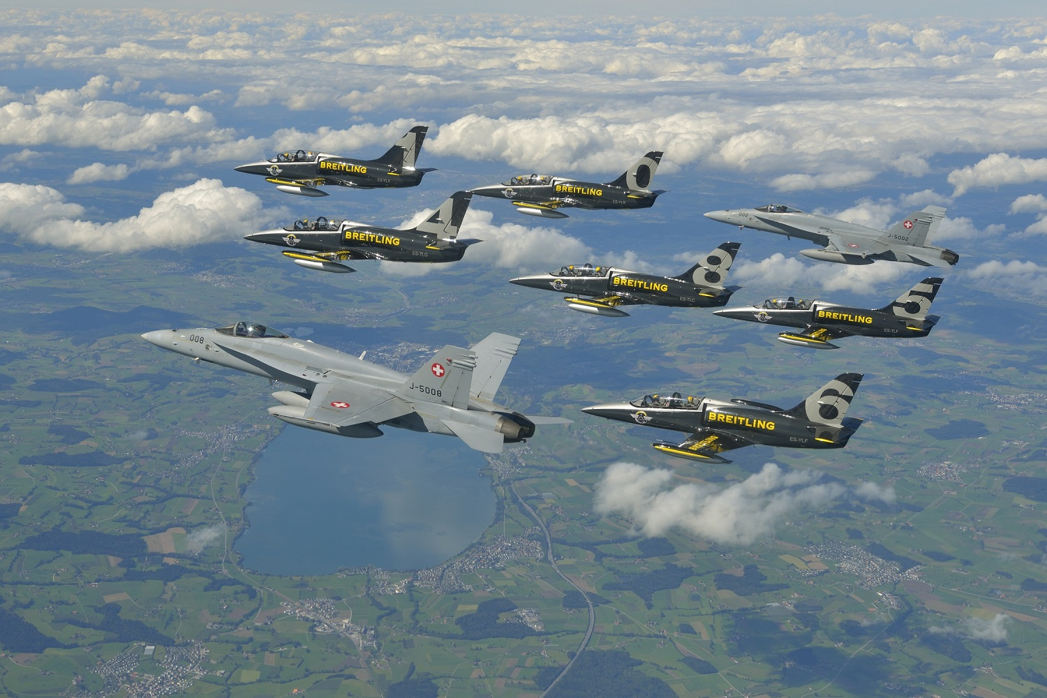 Breitling Jet Team with Swiss Air Force F/A-18 ( Image Credit Breitling SA).
