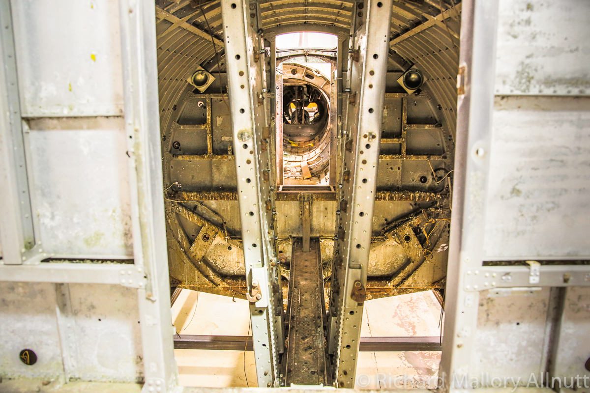 A view into the bomb bay catwalk. (photo by Richard Mallory Allnutt)