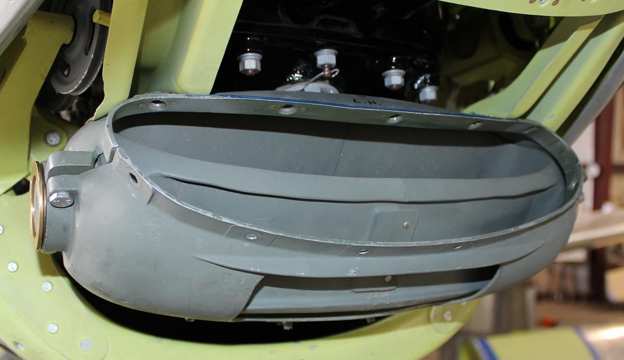 Carburetor air control housing assembly and rotating internal barrel. ((photo via Tom Reilly)