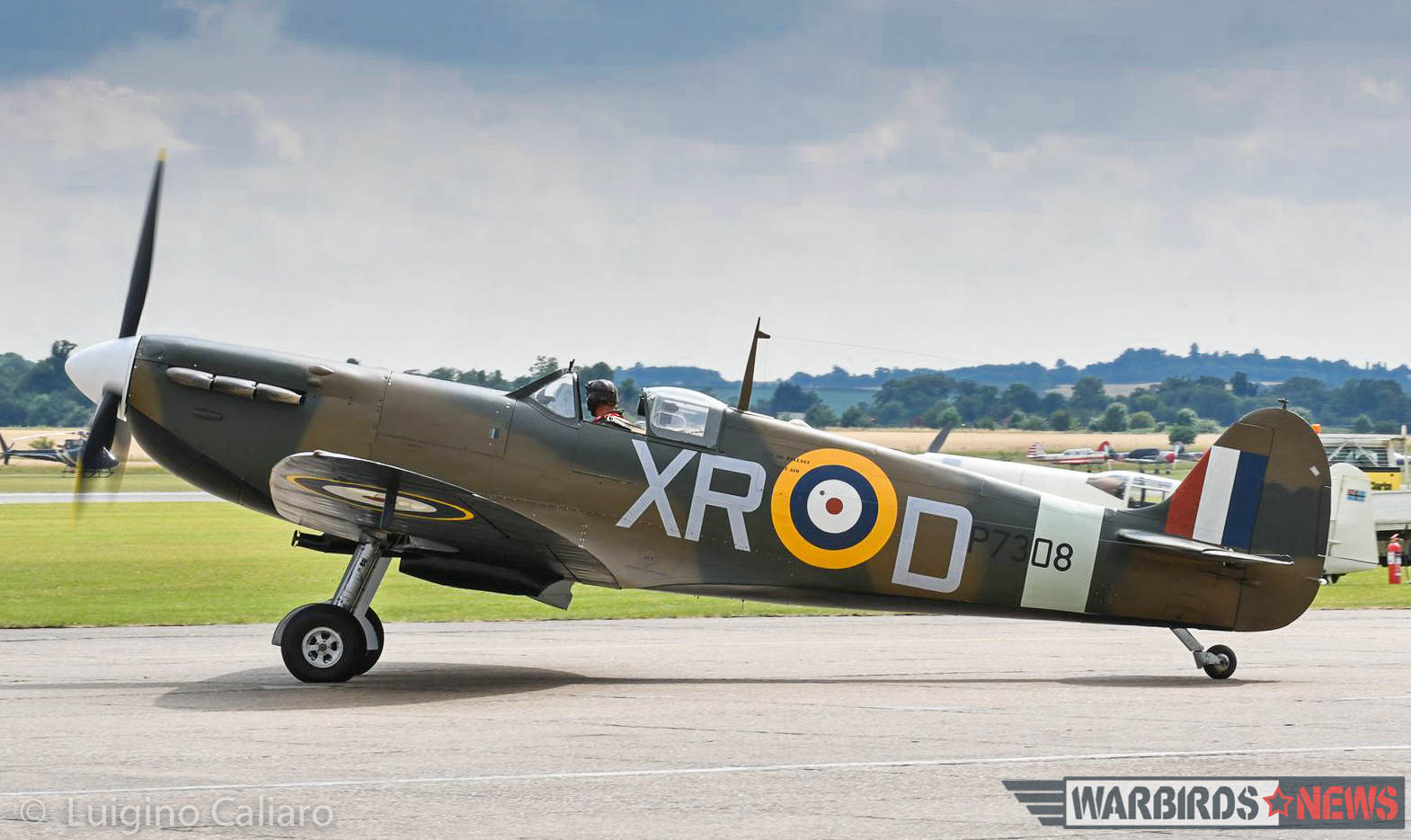 Spitfire Mk.Ia AR213, marked as Spitfire Mk.IIa P7308 from 71 (Eagle) Squadron, taxis out for takeoff. (photo by Luigino Caliaro)