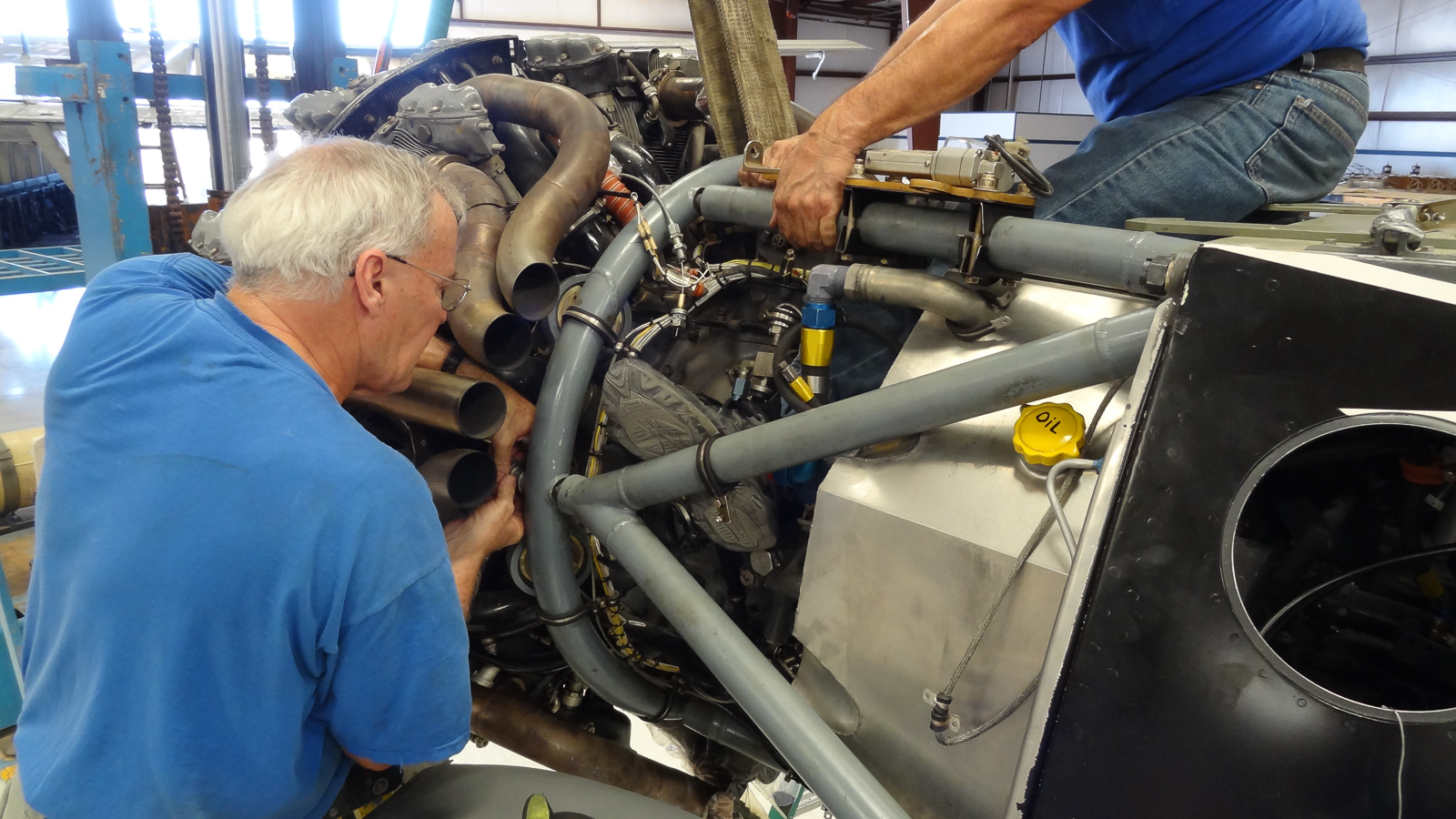 Installing the ASh-82 engine. (photo via GossHawk Unlimited)