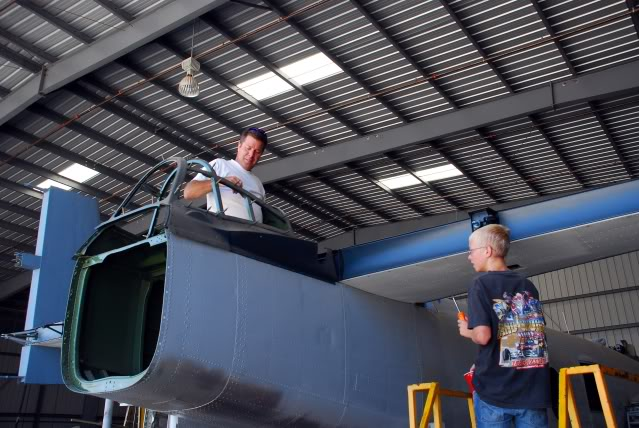 Working on the rear turret - Jun.2009 - Dan Newcomb photo