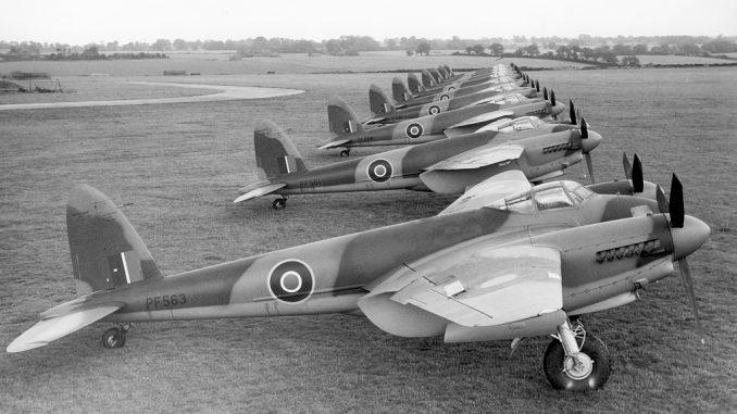 http://warbirdsnews.com/wp-content/uploads/De_Havilland_Mosquito_IV_ExCC-678x381-1.jpeg