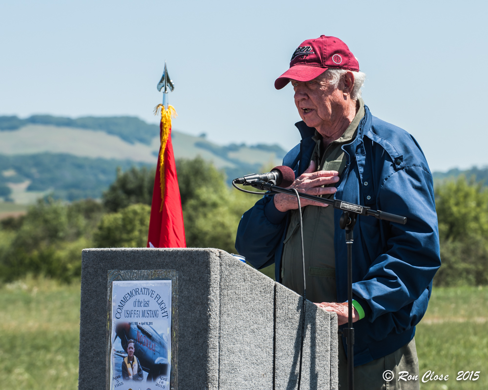 'Earthquake' Titus addresses the crowd which gathered to watch his anniversary flight in Petaluma, California. (photo by Ron Close)