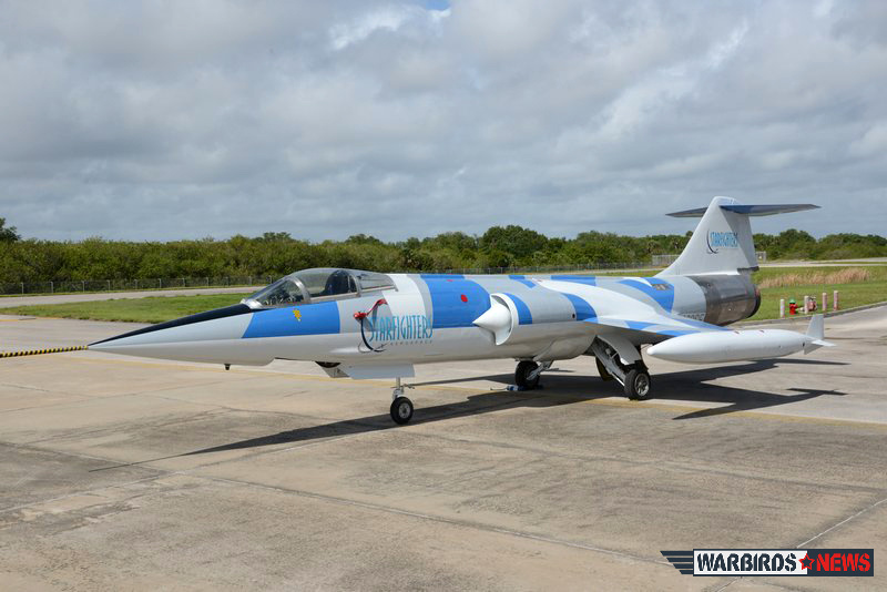 "The new ""aggressor"" paint scheme gives to the F-104 a modern look. ( Image by Luigino Caliaro)"