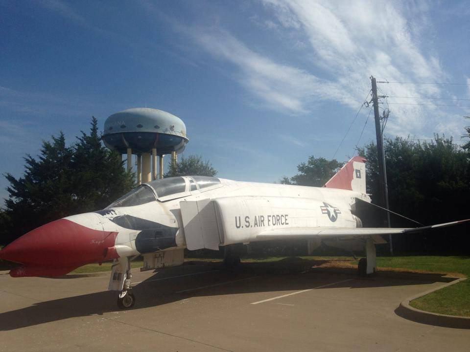 F-4D Phantom, S/N 65-0747 before departing  its old home at Navarro College, Corsicana, Texas. ( Image courtesy of Worldwide Aircraft Recovery)