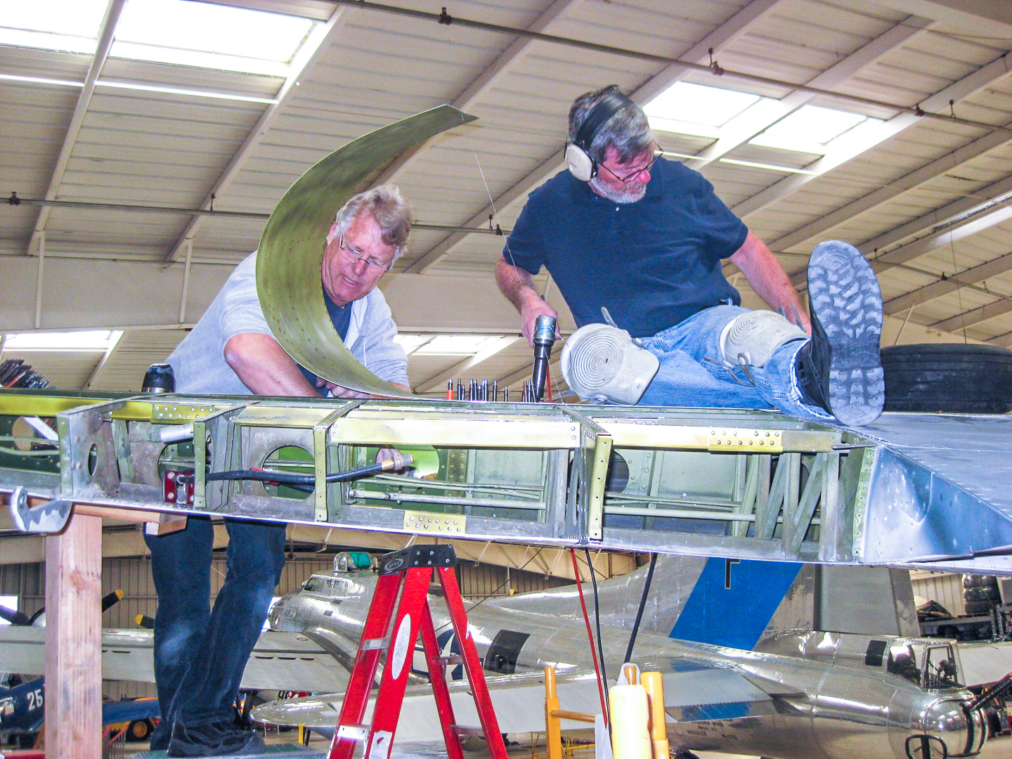 Working on the outer wing panel. (photo by Tom Howe)