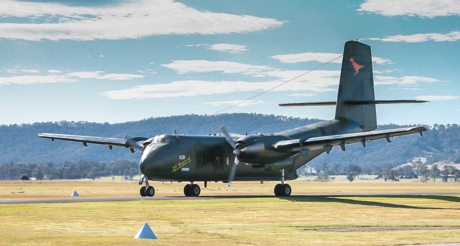 One of HARS two magnificently airworthy, Viet Nam veteran, former RAAF DHC-4 Caribous taxiing in after landing. (photo by Phil Buckley)