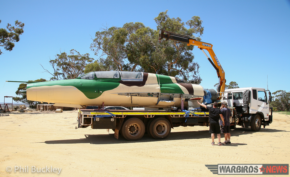 Preparing to lift the fuselage. (image by Phil Buckley)