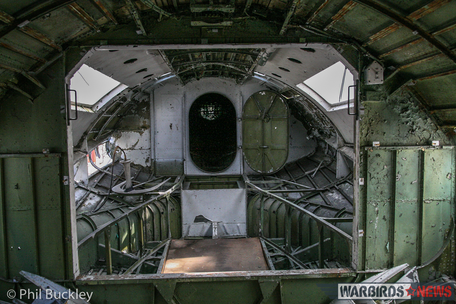 A great view inside the Catalina's waist position. (photo by Phil Buckley)