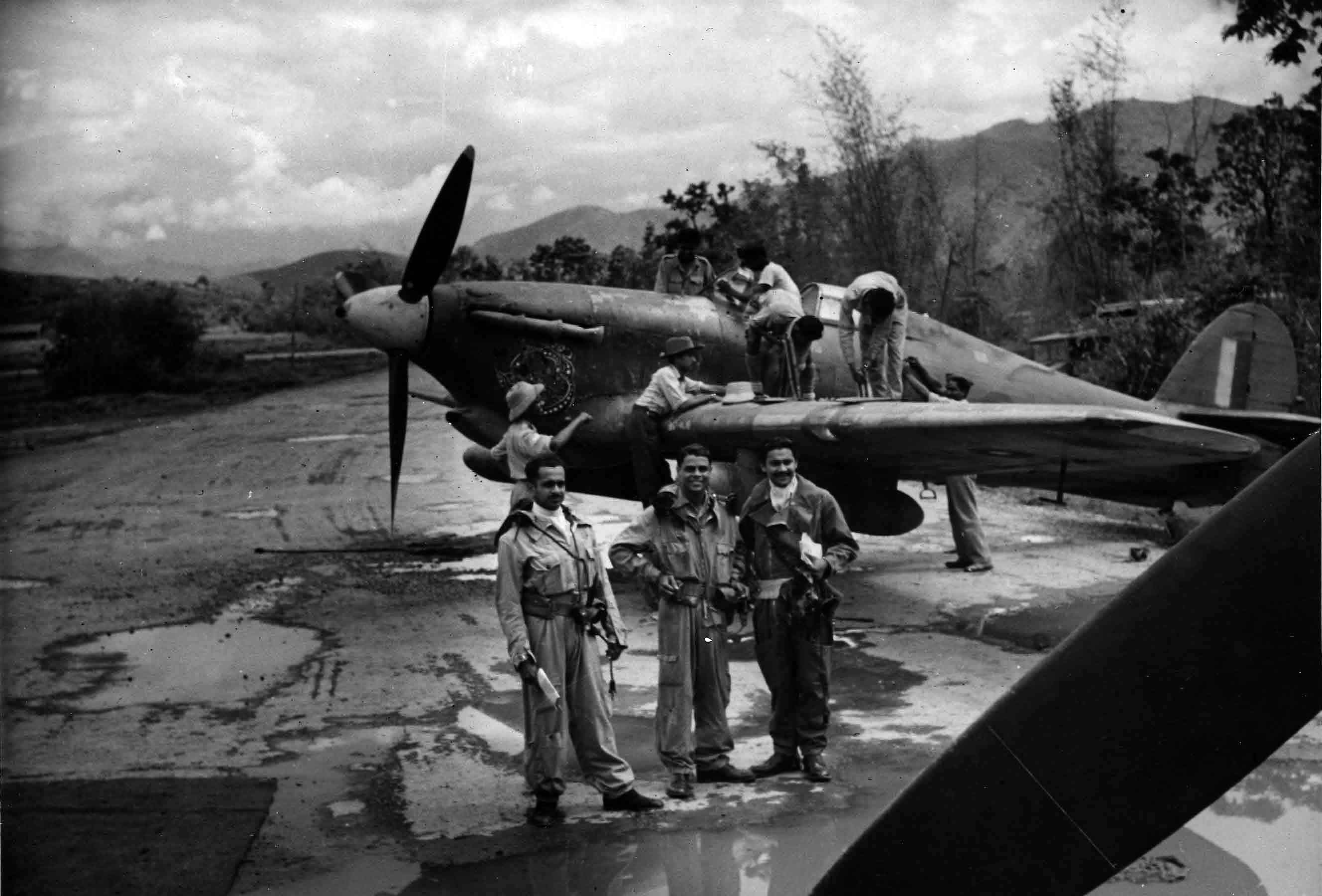 Indian AirForce_Pilots_standing_in_front_of_a_Hawker_Hurricane_c.1944