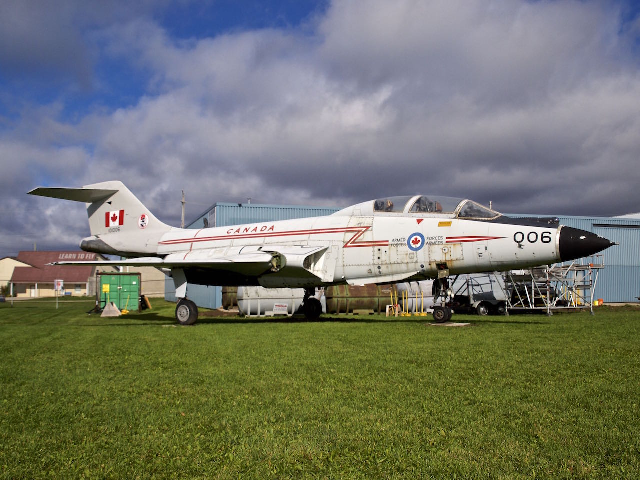 CF-101F 101006 made the world's last Voodoo flight on 09 April 1987, as it made a delivery flight from CFB North Bay to CFB Greenwood via CFB Bagotville and CFB Chatham for eventual display at CFB Cornwallis, Nova Scotia.In October 2013, because of corrosion and security concerns, the museum donated 006 to the Jet Aircraft Museum in London, Ontario, where it is presently undergoing refurbishment.