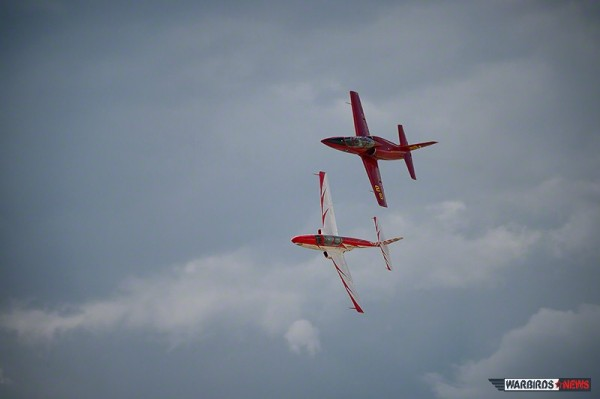 "Jet Heat -TS - 11 Iskra  ""Hot Section"" and L -39  ""Violated"" in contention overhead. (Image Credit: Moose Peterson)"