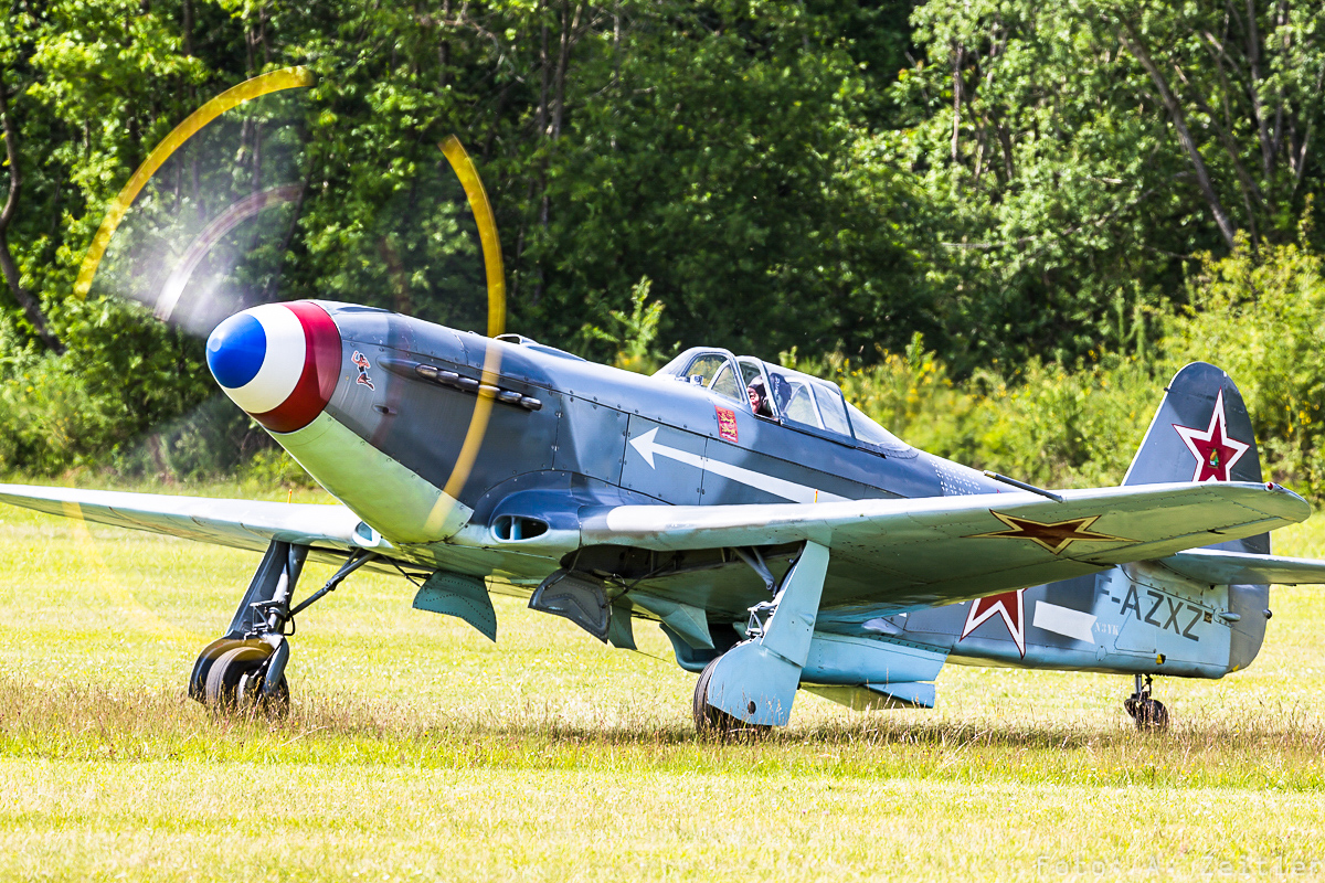 One of the Yak-3s present