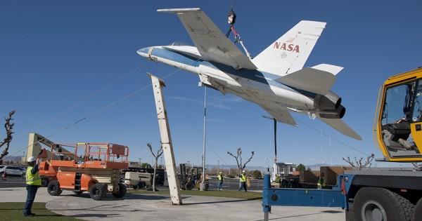 NASA F/A-18A -NASA photos by Tom Tschida & Ken Ulbrich