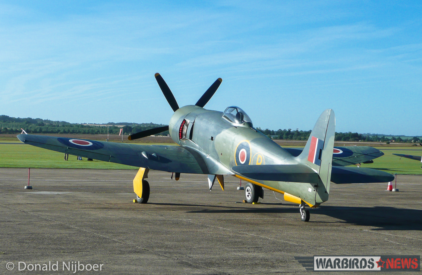 Air Leasing's beautiful Hawker Fury painted to represent the prototype Sea Fury of 1945. (photo by Donald Nijboer)