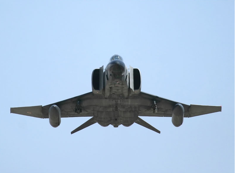 A RF-4E in take of ( Photo by Turkish Air Force)