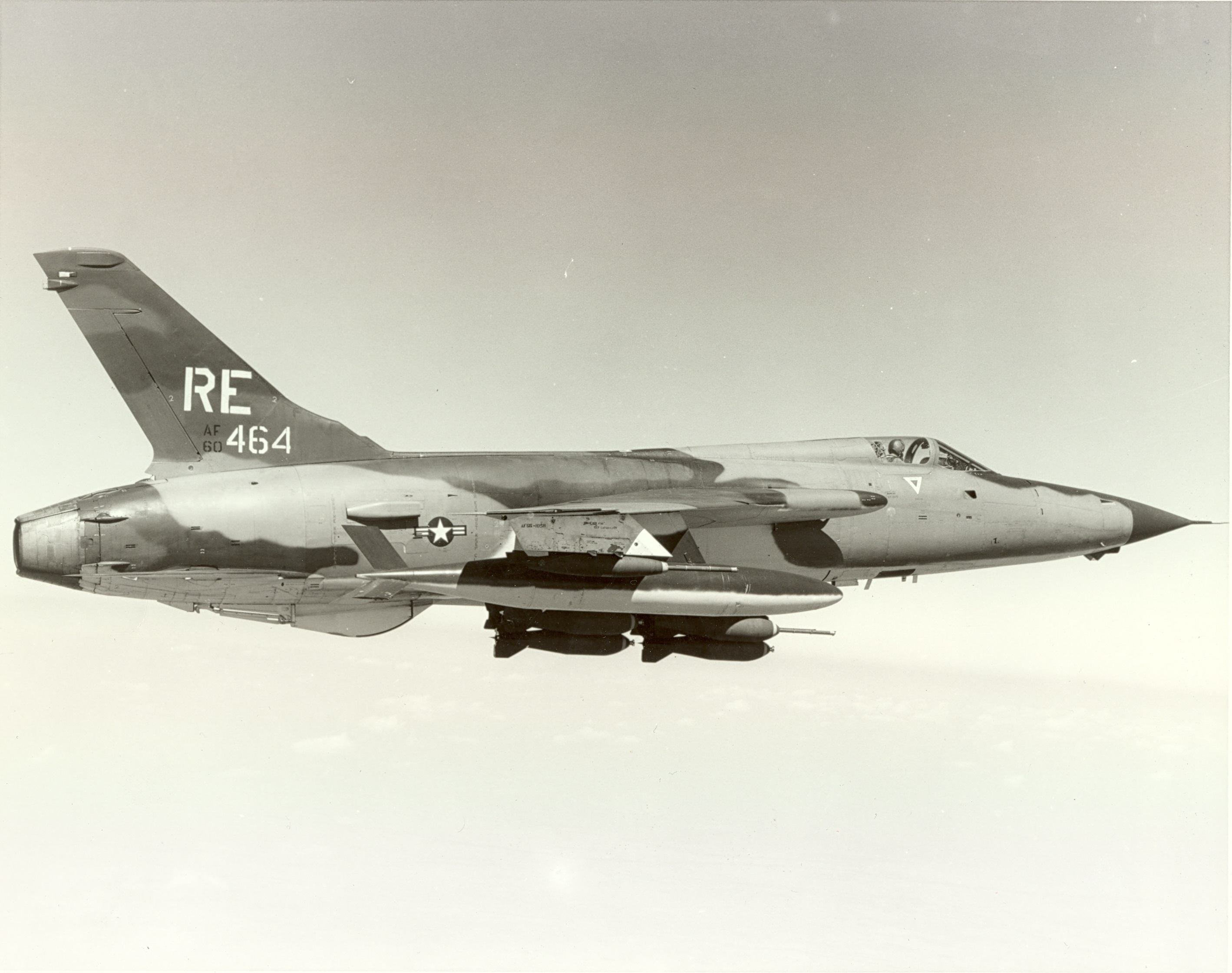 Republic F-105D-10-RE Thunderchief 60-0464, 355th Tactical Fighter Wing, Takhli RTAFB. (U.S. Air Force)