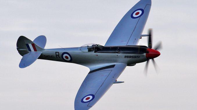 Spitfire Mk FR XVIIIe SM845 (G-BUOS) Made Its First Flight