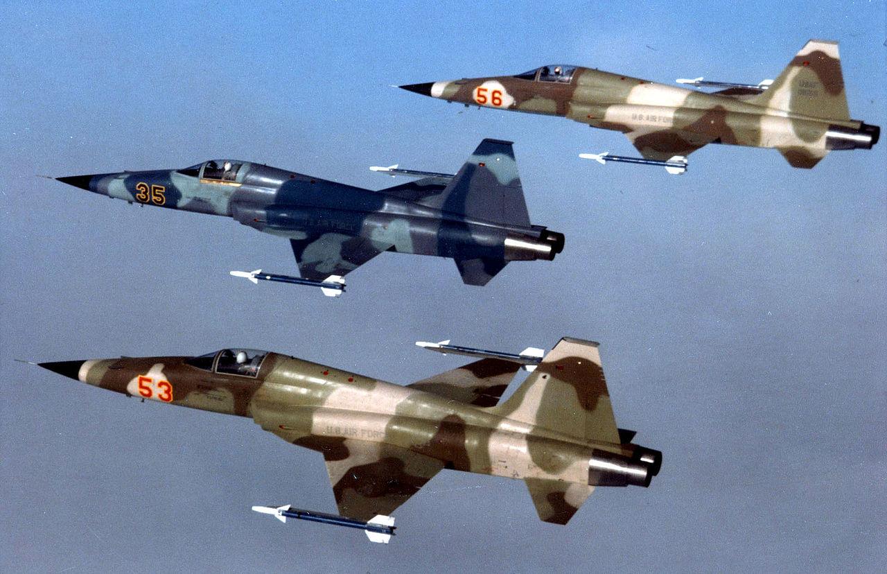 La collection de Joe - Page 9 Three_F-5E_agressors_from_Alconbury_1983