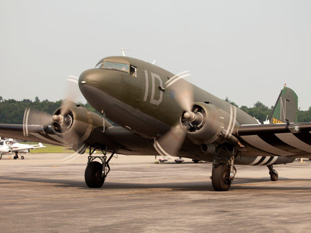 Union Jack Dak resplendent in her wartime markings once more.(photo via DaksOverNormandy.com)