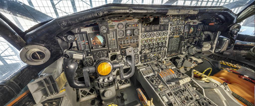 USAFM_North American XB-70 Valkyrie Cockpit_-pilot