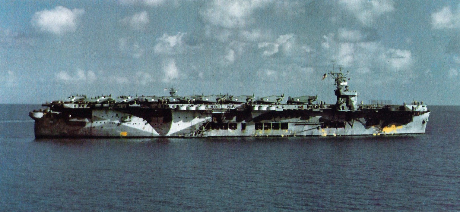 The U.S. Navy escort carrier USS Santee (ACV-29), probably taken on 16 October 1942. Santee was the only one in her class ever camouflaged in Measure 17.