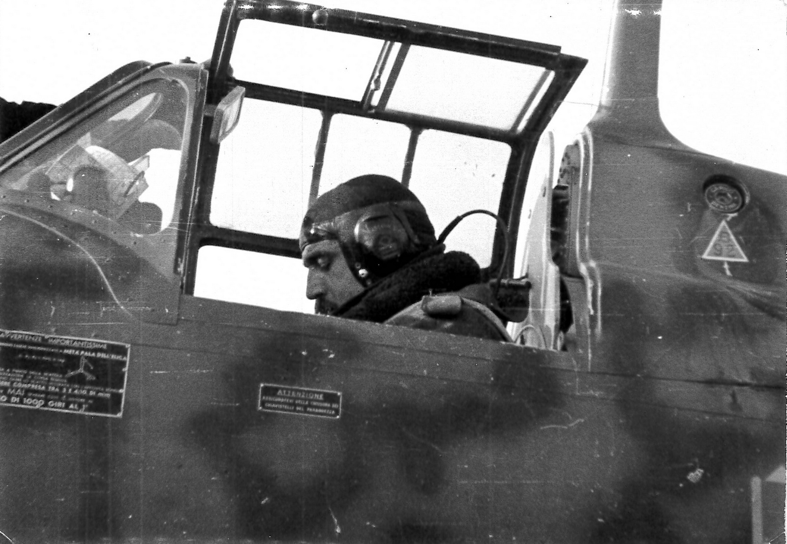 Visconti in the cockpit of his Macchi. ( Giorgio Apostolo Archive)