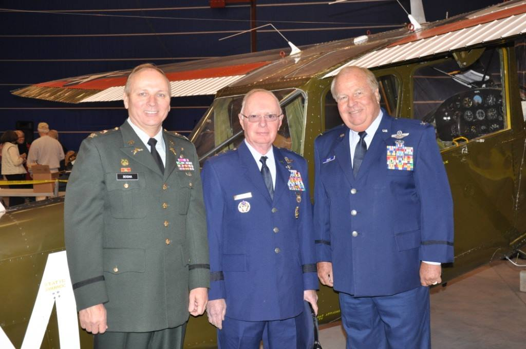 Dixie Wing's veterans, from left to right, Mike Bosma (US Army-Gulf), general George Harrison  ( USAF -Vietnam) , Captain Bob Grove ( USAF-Vietnam).