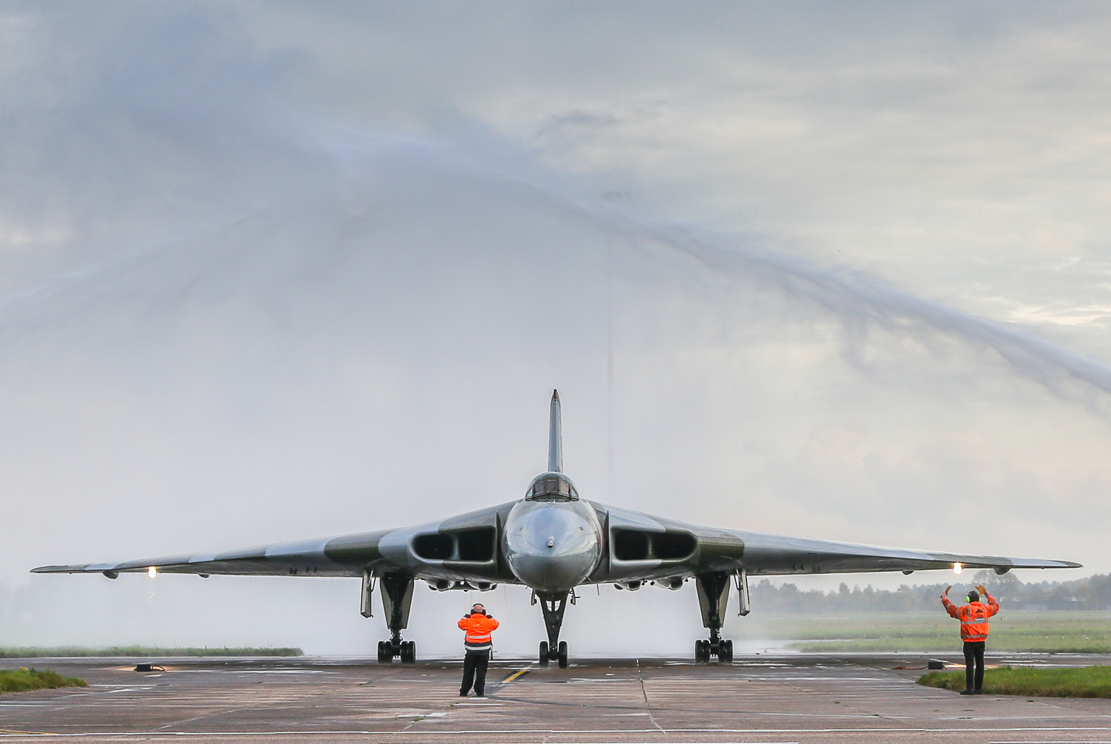 Take a bow XH558... it's been magic having you in the air these past few years. (photo by Steven Comber)
