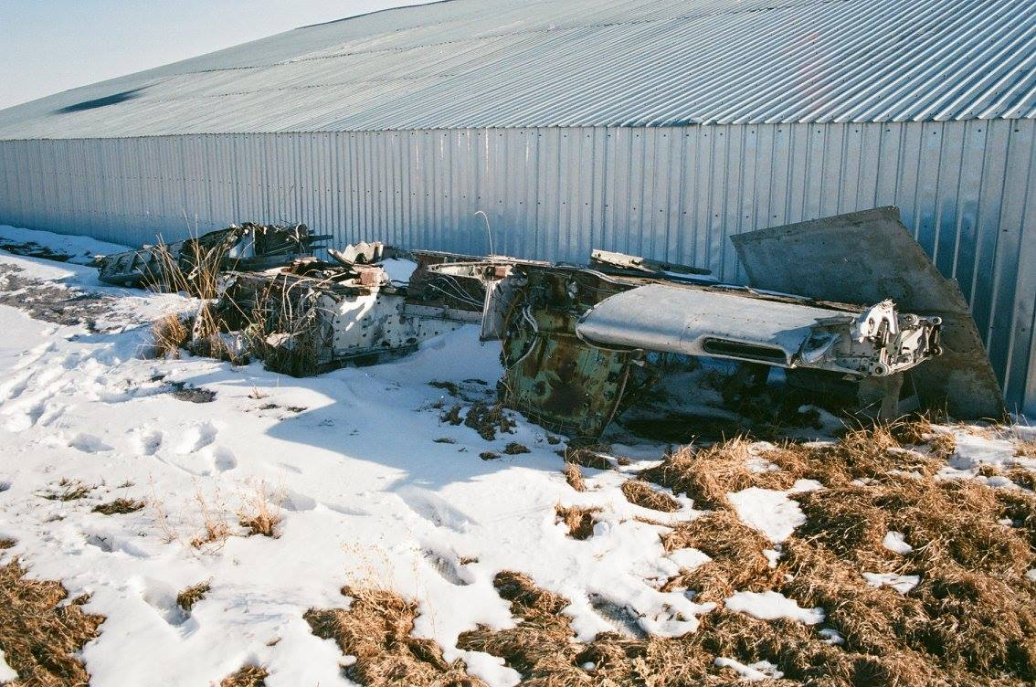 de Havilland Sea Hornet TT193 as stored on the Le May farm at Acme, Alberta in 1990. (photo by Richard de Boere - used with permission)